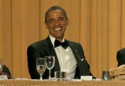 Obama skrattar åt Seth Meyers skämt om bin Laden