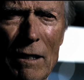 Detroit smider politiskt stål med Clint Eastwood i Super Bowl-reklam.