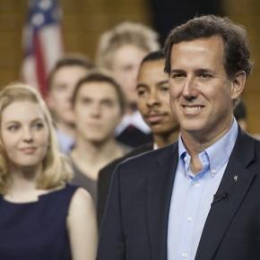 Rick Santorums nya strategi fokuserar på ekonomin och mindre på moralfrågor.